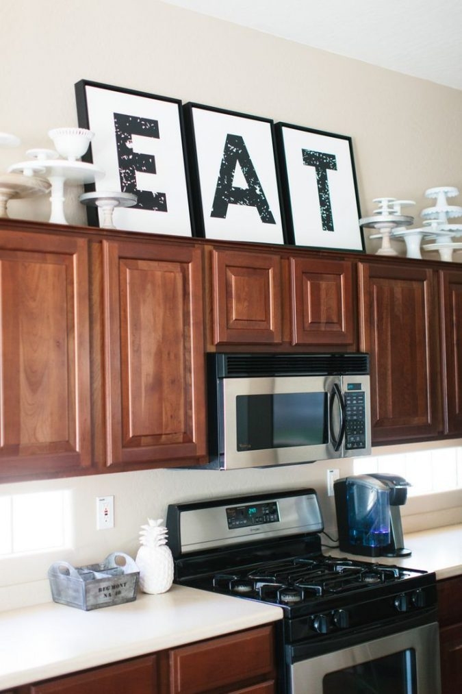 kitchen-outdated-decor-eat-over-the-kitchen-cabinets-675x1013 10 Outdated Kitchen Trends to Substitute in 2021