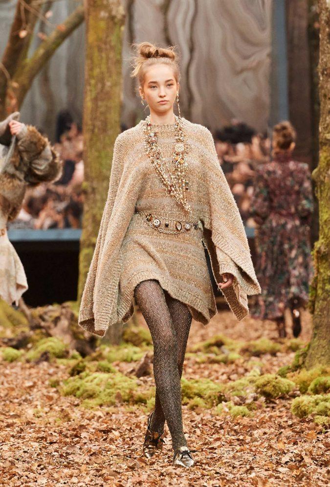 mini-dress-Womenswear-Fall-Winter-Chanel-2018-675x996 70+ Retro Fashion Ideas & Trends for Fall/Winter 2019