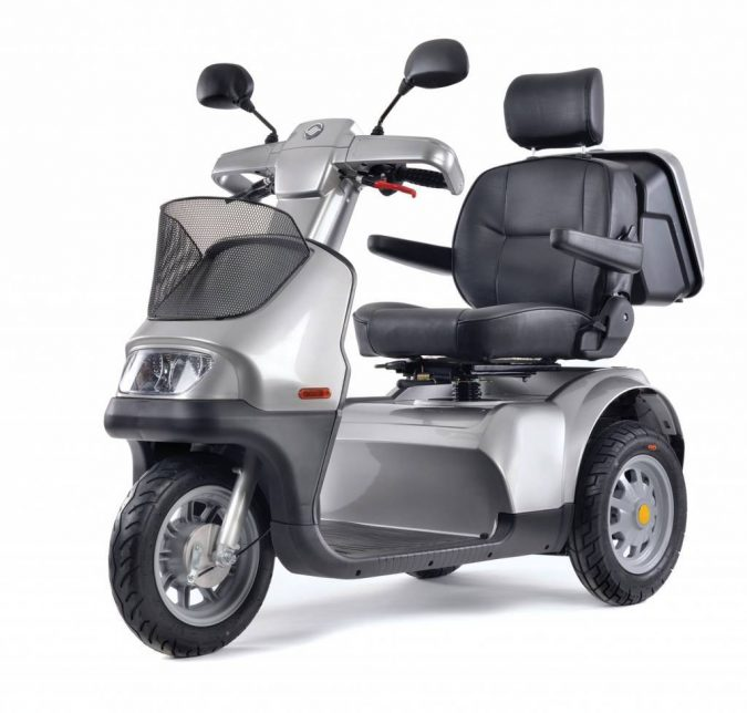 mobility-scooter..-675x644 Top 4 Devices That Make Travel Easier for Seniors