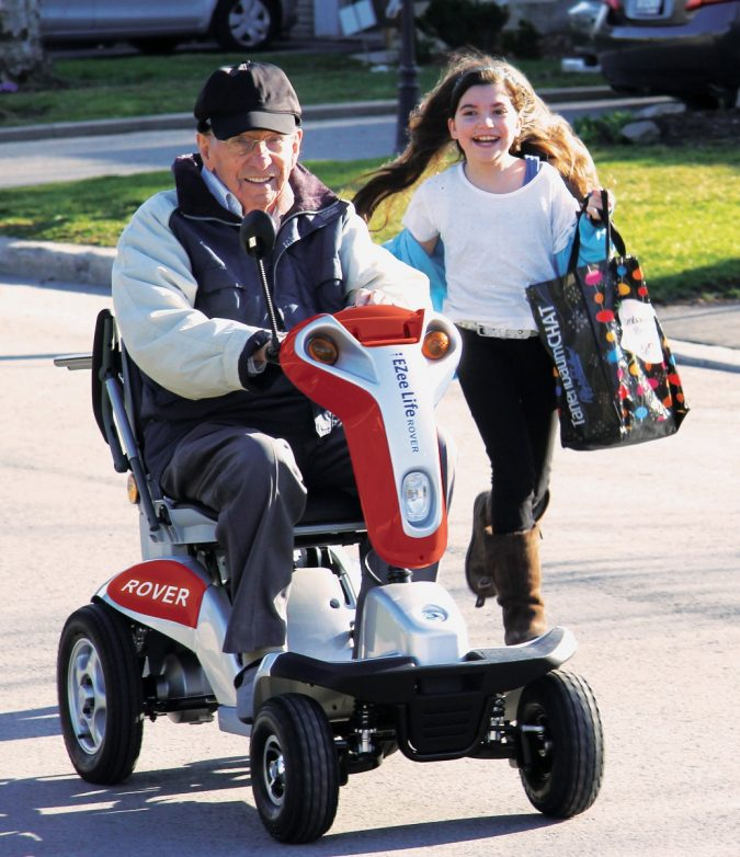 mobility-scooter...-675x782 Top 4 Devices That Make Travel Easier for Seniors