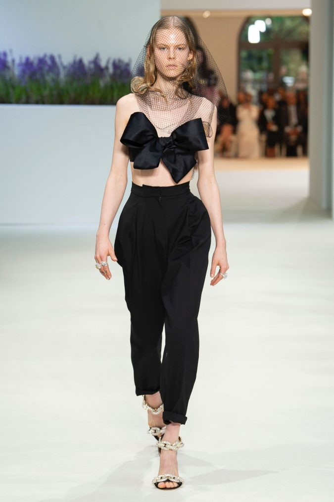 retro-fashion-outfit-cropped-top-Giambattista-Vallie-Haute-Couture-fall-winter-2019-675x1013 70+ Retro Fashion Ideas & Trends for Fall/Winter 2020