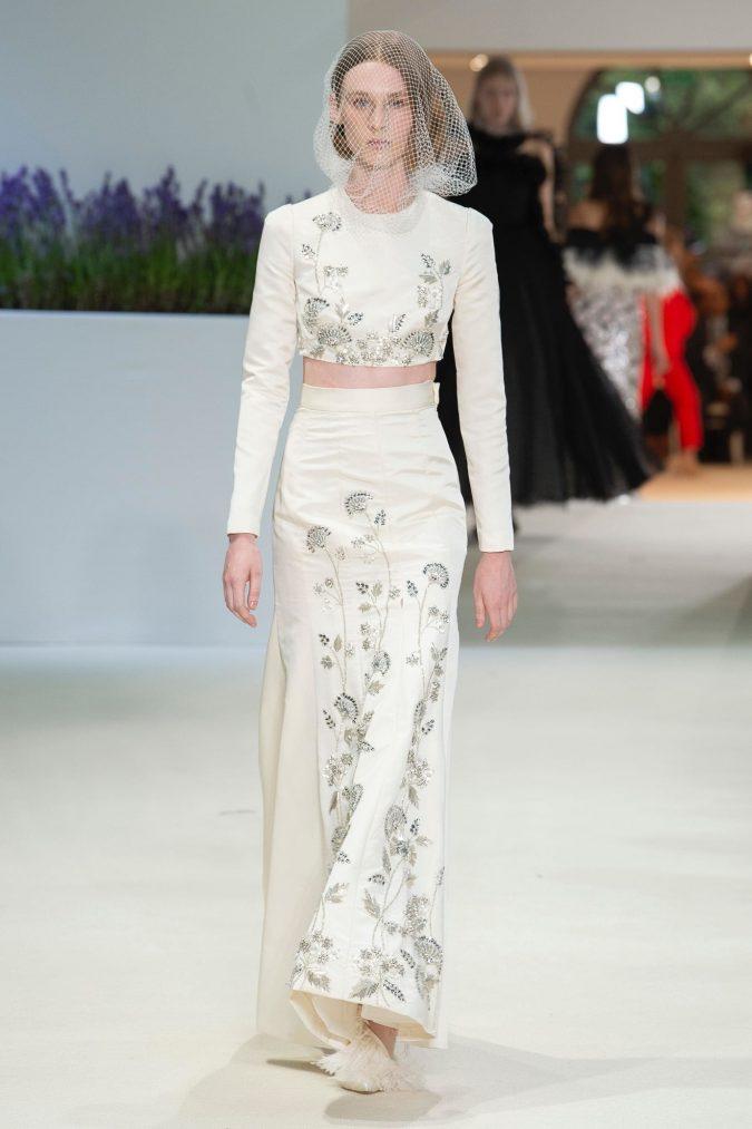 retro-fashion-outfit-cropped-top-haute-couture-fall-winter-2019-675x1013 70+ Retro Fashion Ideas & Trends for Fall/Winter 2019