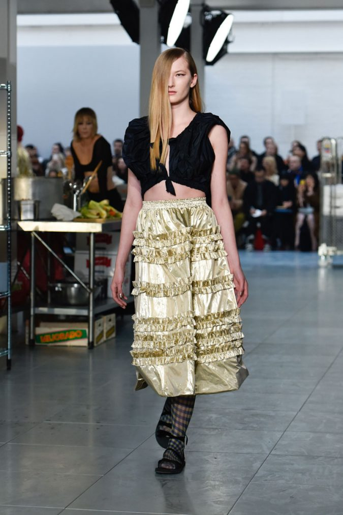 retro-fashion-outfit-cropped-top-midi-skirt-Molly-Goddard-AW18-Look-7-675x1013 70+ Retro Fashion Ideas & Trends for Fall/Winter 2019