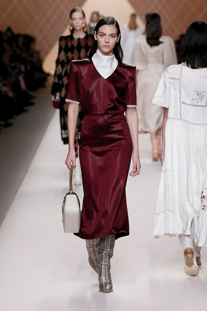 retro-fashion-outfit-dress-supersized-shoulders-fendi-woman-fw18-19-look-41_s1-675x1013 70+ Retro Fashion Ideas & Trends for Fall/Winter 2020