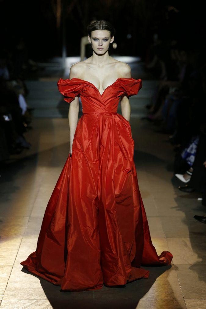 retro-outfit-gown-carolina-herrera-new-york-fashion-fall-2018-runway-show-look-36-675x1013 70+ Retro Fashion Ideas & Trends for Fall/Winter 2019