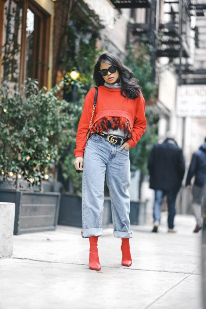 retro-outfit-mom-jeans-Facetune_18-03-2018-22-01-25-683x1024-675x1012 70+ Retro Fashion Ideas & Trends for Fall/Winter 2019