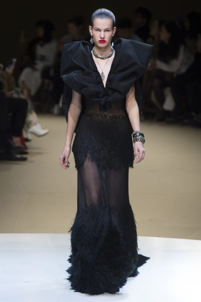 winter-outfit-gown-supersized-shoulders-alexander-mcqueen-winter-2019-675x1013 70+ Retro Fashion Ideas & Trends for Fall/Winter 2020