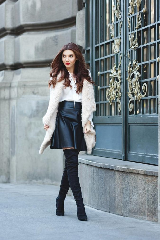winter-outfit-mini-skirt-2-675x1013 70+ Elegant Winter Outfit Ideas for Business Women in 2019