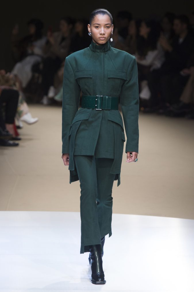winter-outfit-suit-Alexander-Mcqueen-2019-675x1013 70+ Retro Fashion Ideas & Trends for Fall/Winter 2019