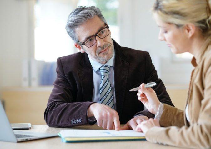 Divorce-Lawyer--675x475 Top 7 Ways Smart Divorce Lawyer can Help Rebuilding Your Life Again