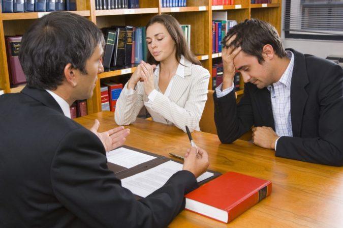 Divorce-lawyer-675x448 Top 7 Ways Smart Divorce Lawyer can Help Rebuilding Your Life Again