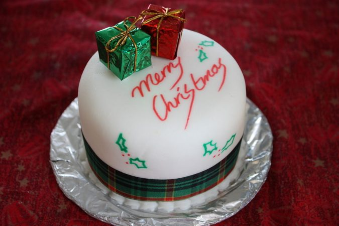 Merry-Christmas-theme-cake-675x450 Make this Christmas Day Delighted with Delicious Theme Cakes