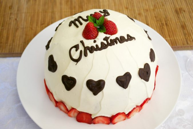Merry-Christmas-theme-cake-Japanese-Christmas-Cake2-675x450 Make this Christmas Day Delighted with Delicious Theme Cakes