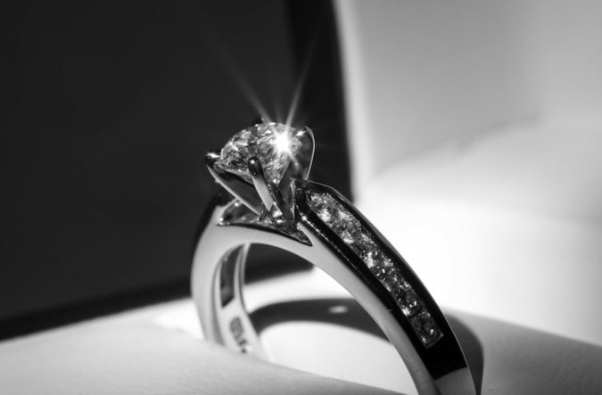 Natural-Diamond-engagement-ring-675x443 How to Pick The Perfect Ring for Your Engagement