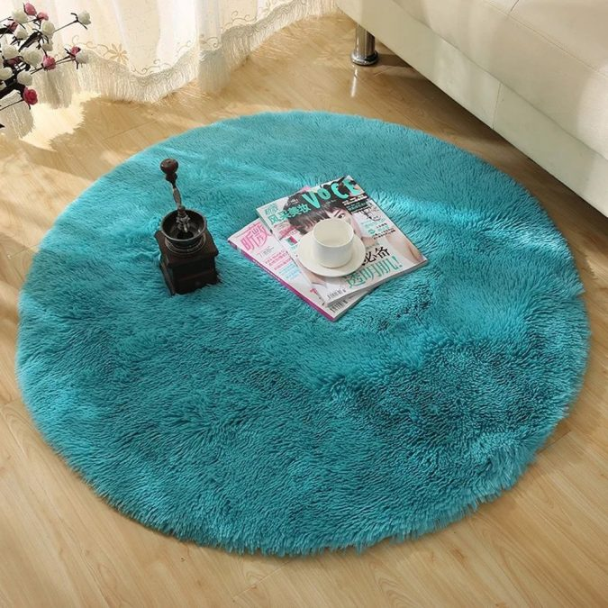 Plain-Color-Rugs.-1-675x675 Top 10 Ways to Make A House Look Bigger And More Spacious