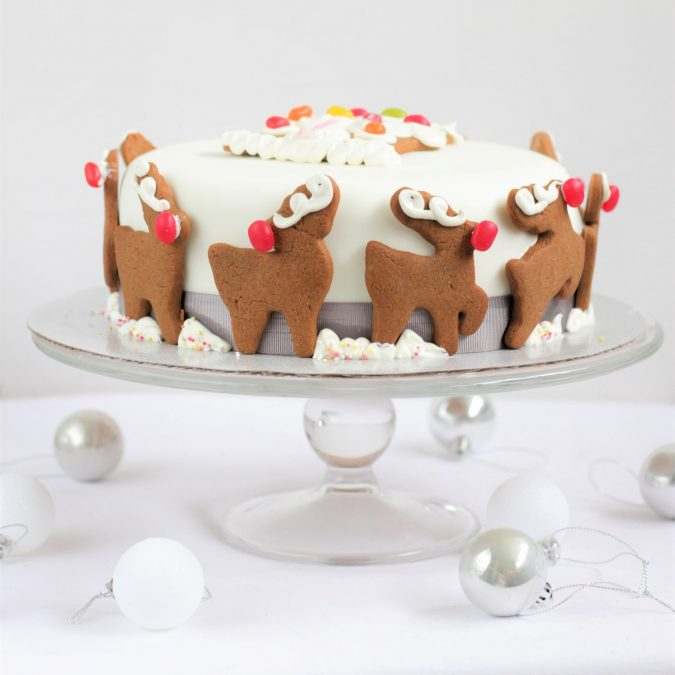 Reindeer-Christmas-cake-2-675x675 Make this Christmas Day Delighted with Delicious Theme Cakes