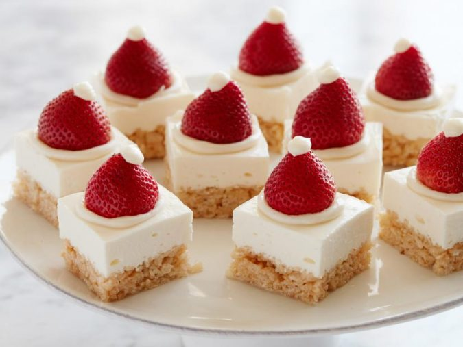 Santa-Claus-cap-cake-2-675x507 Make this Christmas Day Delighted with Delicious Theme Cakes