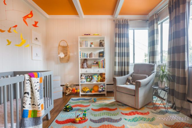 Using-A-Very-Bright-Color-For-Ceiling-675x450 Top 10 Ways to Make A House Look Bigger And More Spacious