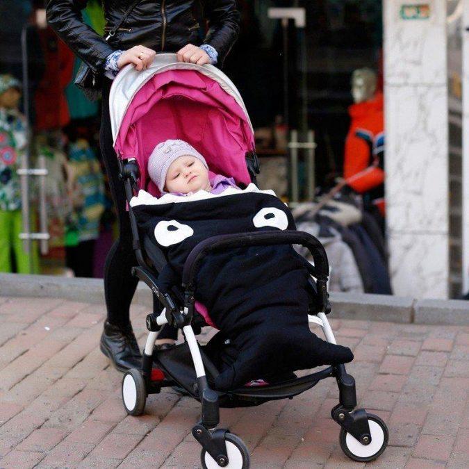 baby-shark-bag-9-675x675 Cute Baby Sleeping Shark