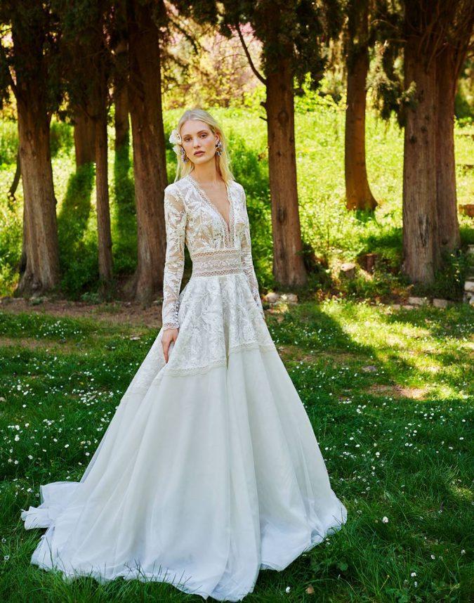 br19-70-constarellos-675x858 150+ Bridal Fashion Trends and Ideas for Fall/winter 2020