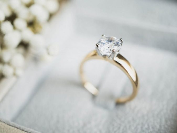 choosing-an-engagement-ring-675x507 How to Pick The Perfect Ring for Your Engagement