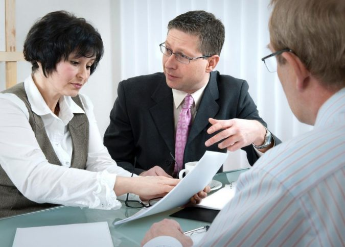 divorce-lawyer..-675x484 Top 7 Ways Smart Divorce Lawyer can Help Rebuilding Your Life Again