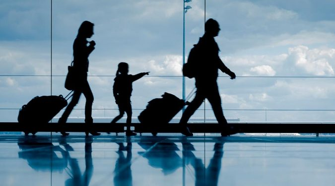 family-travel-airport-baggage-675x375 4 Tips for Best Luxury Travel on a Budget