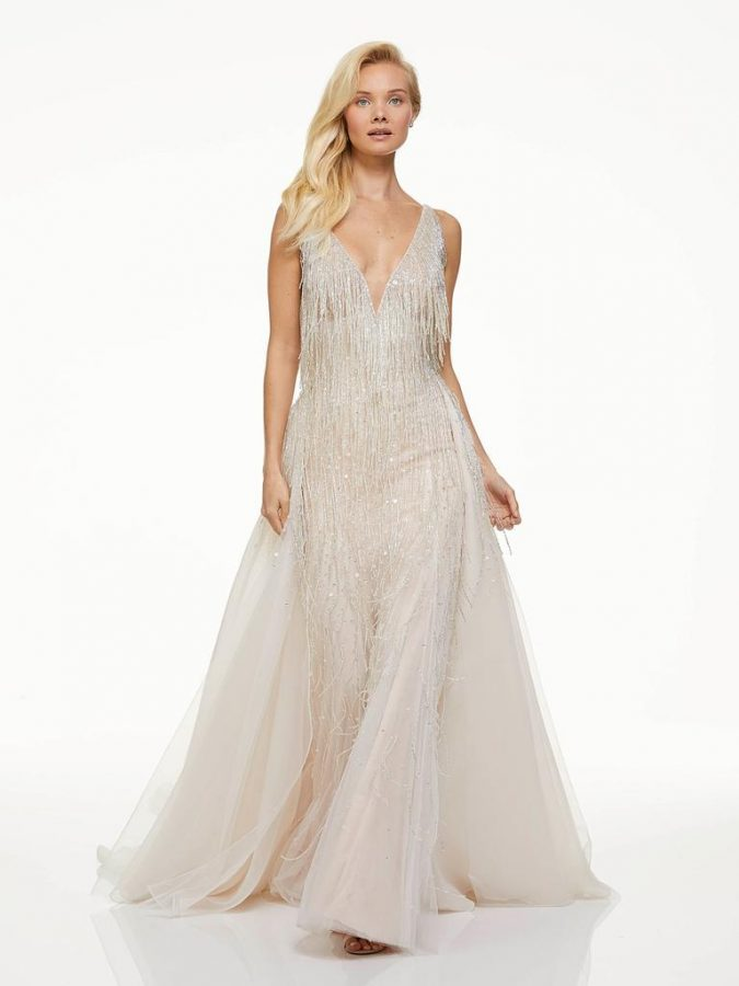feathers..-1-675x900 150+ Bridal Fashion Trends and Ideas for Fall/winter 2019