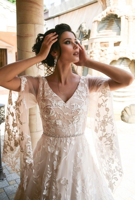 floral-1 150+ Bridal Fashion Trends and Ideas for Fall/winter 2019