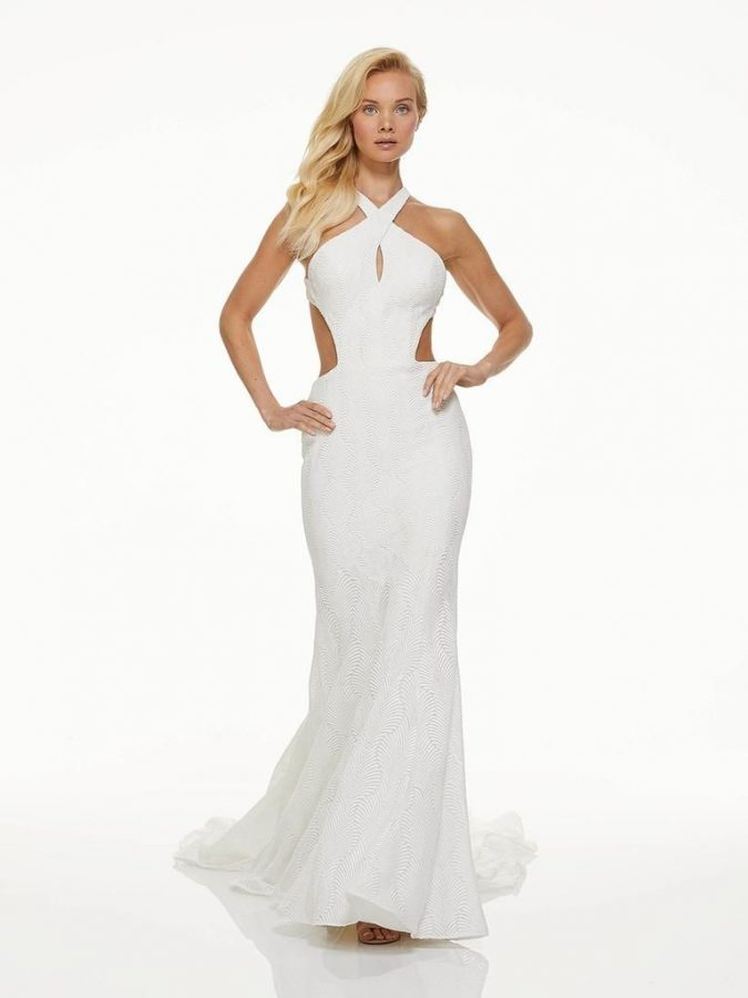 halterneck-fall-2019-675x900 150+ Bridal Fashion Trends and Ideas for Fall/winter 2019