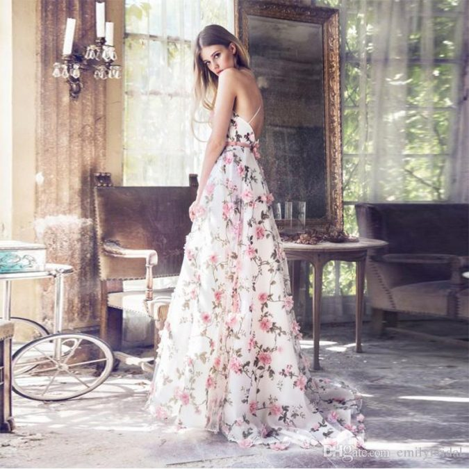 il-nuovo-disegno-floreale-3d-di-disegno-veste-675x675 150+ Bridal Fashion Trends and Ideas for Fall/winter 2020
