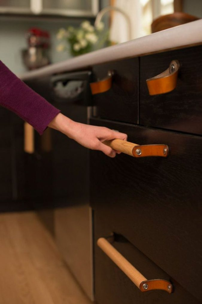 leather-kitchen-cabinet-handles-675x1012 Top 10 Stylish and Practical Kitchen Design Trends for 2020