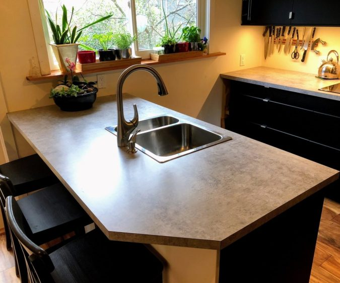 one-piece-countertop-for-kitchen-675x562 Top 10 Stylish and Practical Kitchen Design Trends for 2020