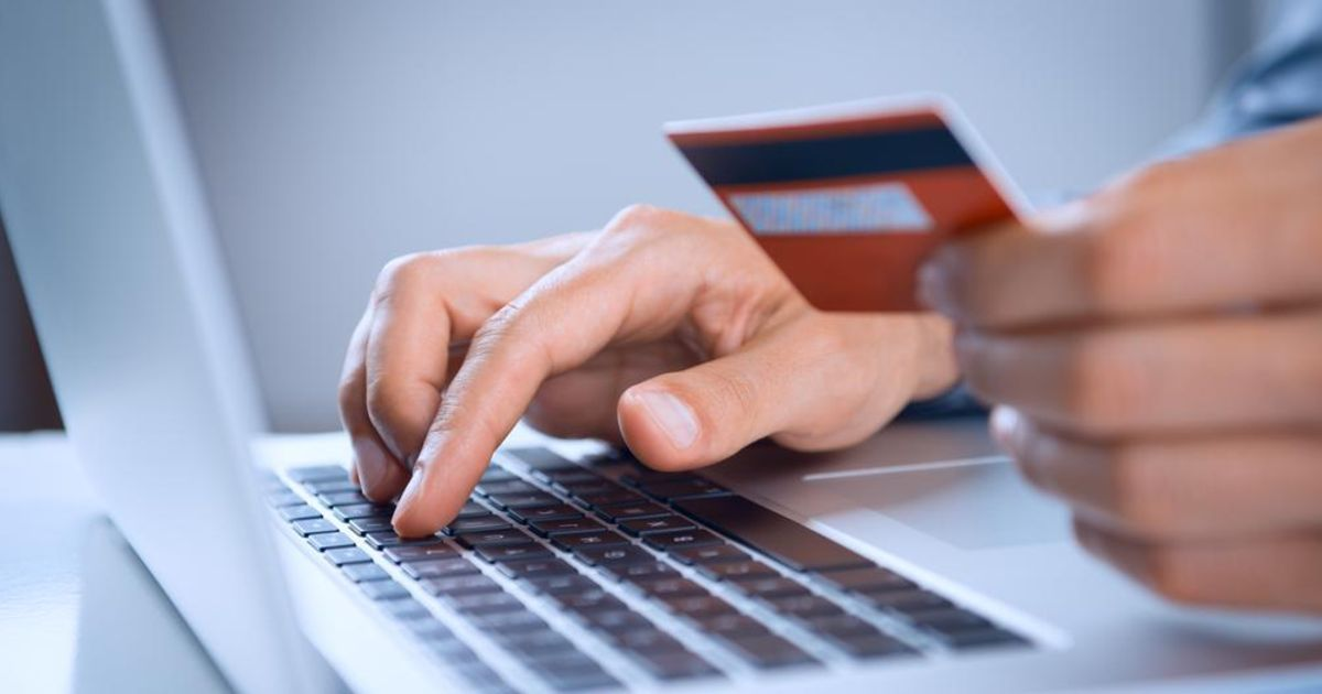 online-credit-card-payment Cutting the Cost of Your Next Tech Purchase