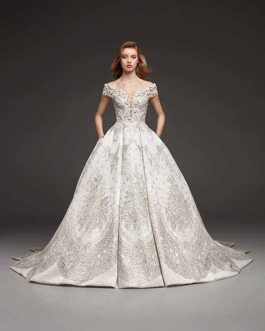 pronovias-wedding-dress-fall2019-22_vert 150+ Bridal Fashion Trends and Ideas for Fall/winter 2020