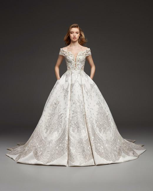 pronovias-wedding-dress-fall2019-22_vert 150+ Bridal Fashion Trends and Ideas for Fall/winter 2019
