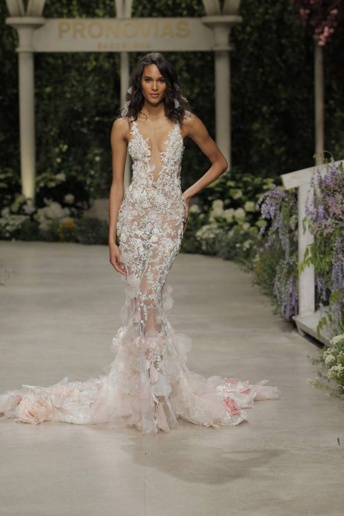 pronovias_046-675x1012 150+ Bridal Fashion Trends and Ideas for Fall/winter 2020
