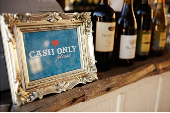 wedding-cash-bar-1-675x452 10 Outdated Wedding Trends to Avoid in 2019