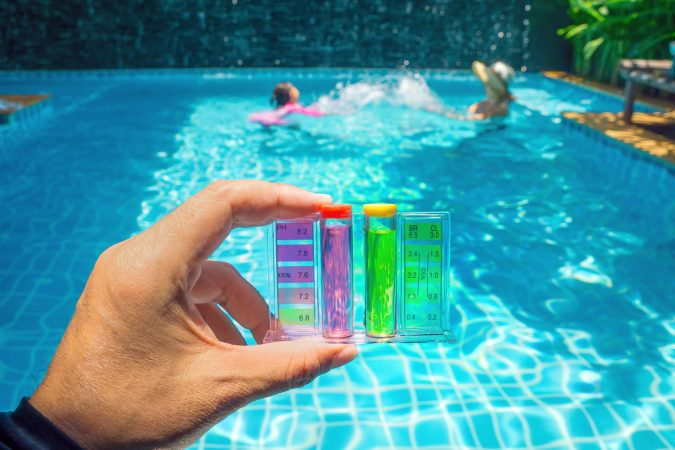 Checking-the-Pool-Chemistry.-675x450 Top 15 Must-Follow Pool Maintenance Tips
