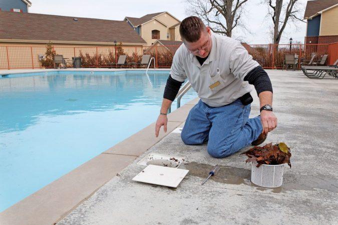 Maintaining-Skimmer-Baskets-675x450 Top 15 Must-Follow Pool Maintenance Tips