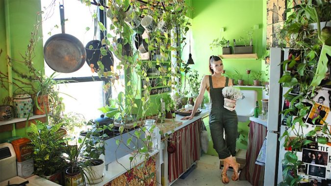 Plants-Everywhere-2-675x380 15+ Outdated Home Decorating Trends Coming Back in 2021