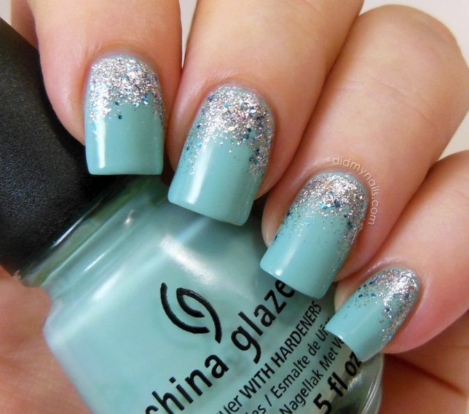 Tiffany-blue-and-glitter-nail-art-675x596 +60 Hottest Nail Design Ideas for Your 2019 Graduation