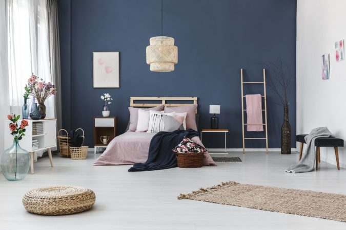 accent-walls-675x450 15+ Outdated Home Decorating Trends Coming Back in 2021