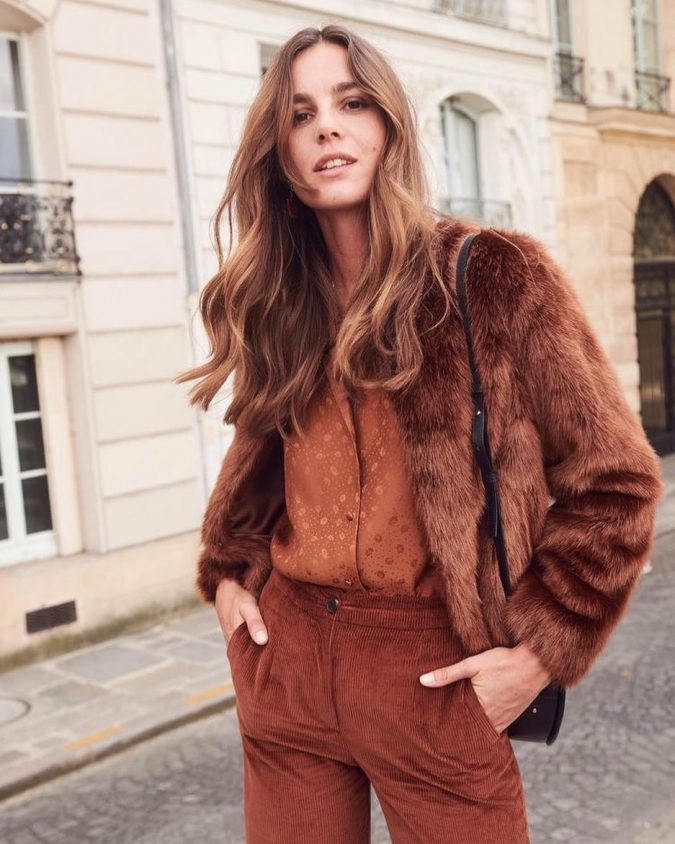 brown-winter-oufit-with-different-textures-675x844 70+ Elegant Winter Outfit Ideas for Business Women