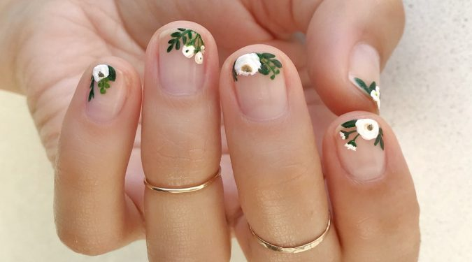 floral-nail-art-design-675x375 +60 Hottest Nail Design Ideas for Your 2019 Graduation