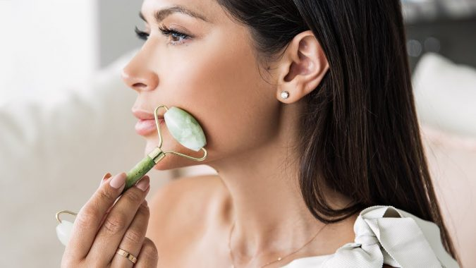 jade-roller-for-face-675x380 4 Ways to Detox Naturally