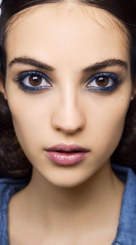 makeup-blue-eyeliner-675x1214 Top 10 Wedding Makeup Trends for Brides in 2020