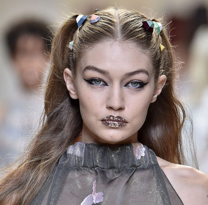 makeup-glittering-lips-gigi-hadid-11-675x665 Top 10 Wedding Makeup Trends for Brides in 2020