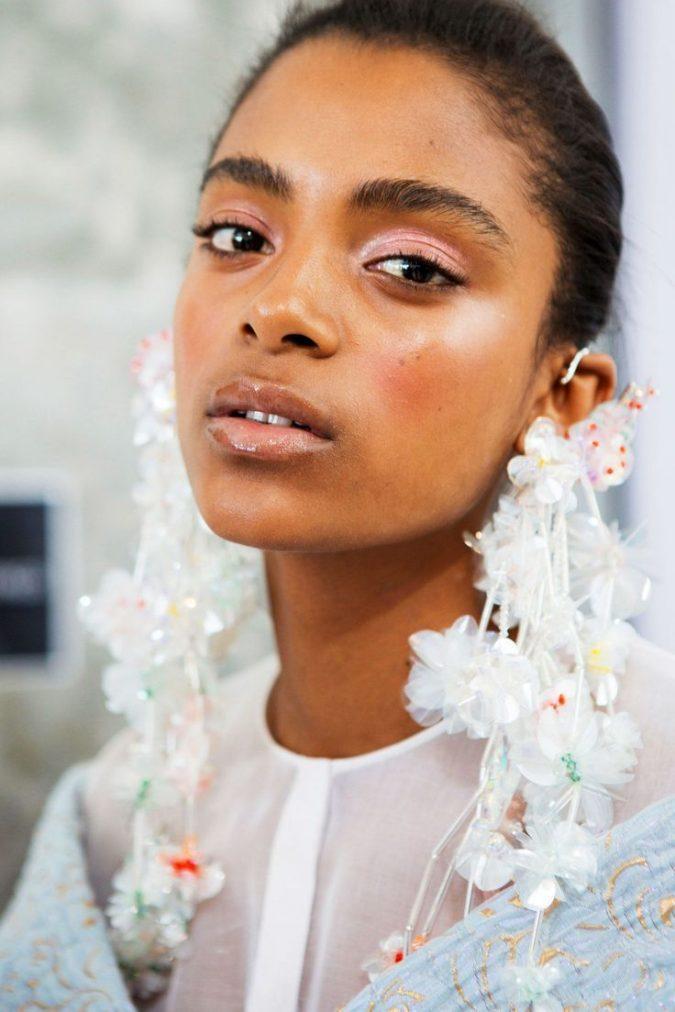 makeup-trends-675x1012 Top 10 Wedding Makeup Trends for Brides in 2020