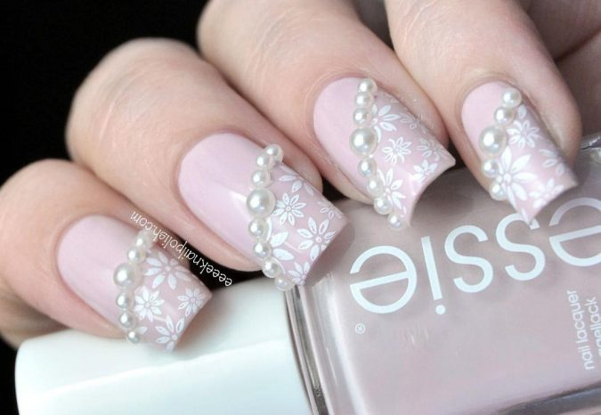 nail-art-with-pearls-675x466 60+ Most Fabulous Winter Nail Design Ideas This Year